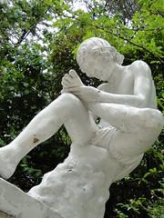 El Nio y La Espina (_echoes_) Tags: sony carlos escultura estatuas lota octava carbn bobo cousio parquedelota dschx1