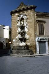 Castelvetrano 1983 (Tumbalalaika) Tags: delia sicilia trapani selinunte trinità passalacqua castelvetrano genco