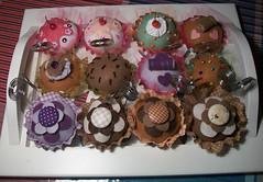 { Sweet } (CANELA COOL by CAROL) Tags: lembrana sweet cupcake bolo feltro fofo doce tecido enfeite delcia bolinho lembrancinha doura portarecado lembrancinhadenascimento lembrancinhachdepanela