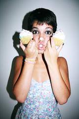 La Pastel Factory Photoshoot II (María Granados) Tags: fashion fun cupcakes retrato