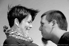 Bianca e Mrcio ... (Adalberto Rocha | Photographer) Tags: portrait bw sunlight outdoors blackwhite olhar emotion image natureza profile perspective lifestyle aerialview naturallight olhos expressive concept multicolored copy namorados brasilia oneperson casais brincadeiras enamorados expresses sorrisos colorimage portiflio coloredbackground luznatural esession lifestylephotographer alegira egagements adalbertorocha adalbertovieirarocha dadabsb fotgrafodebraslia vieweye capitalzero photographybycapitalzero fotgrafophotographer spaceexterior levelperspective profilecolor