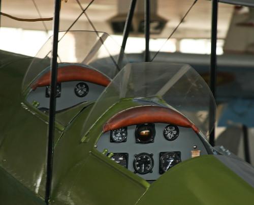 De Havilland DH-60G III Moth Major (EE1-89) Cockpit