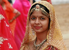 Mona Lisa of Rajasthan (io747) Tags: portrait india girl beauty smile gold eyes monalisa augen harem soe indien mdchen rajasthan lcheln schnheit platinumheartaward