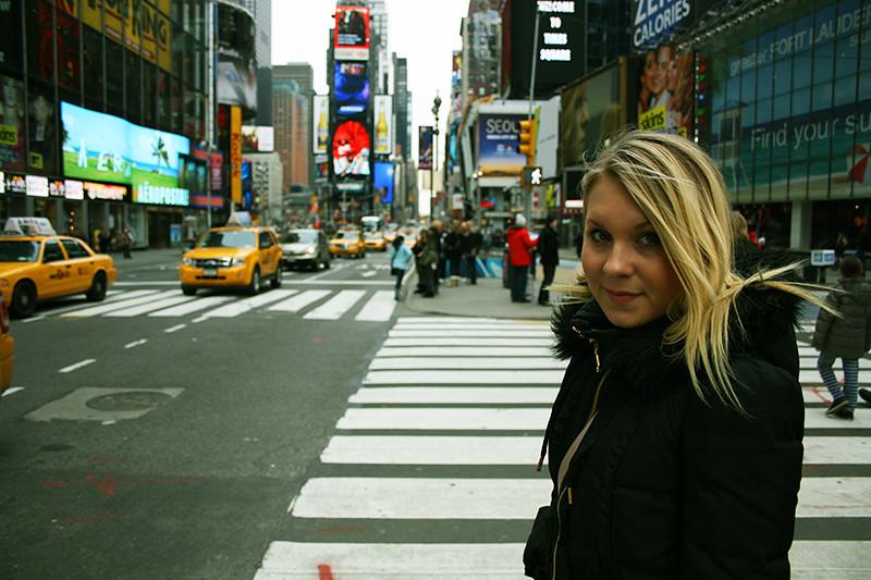 Sandra på Time Square