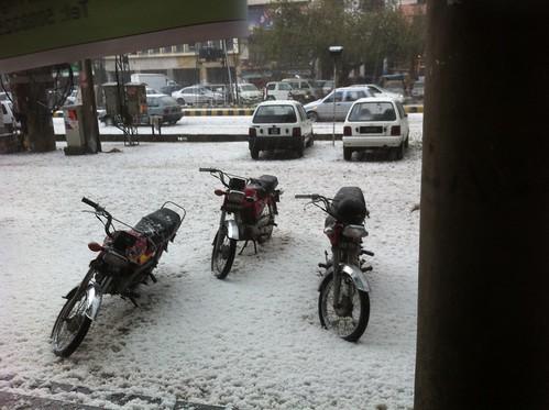 Lahore Snow Feb 2011
