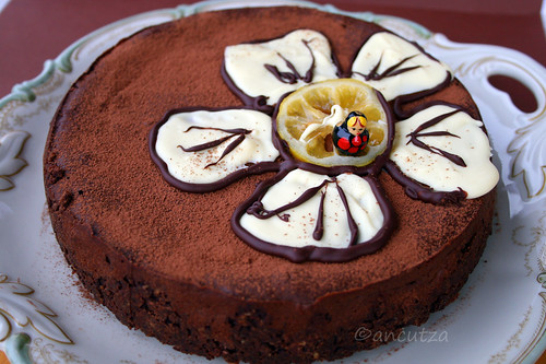foto torta fondente al cioccolato e limone, ricotta, yogurt greco
