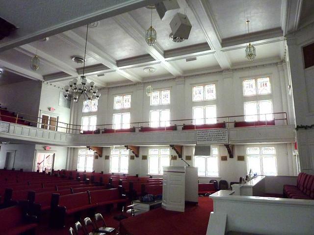 P1080029-2011-02-28-Pentecostal-Church-of-God-Howard-Street-Kirkwood-Atlanta-South-Windows
