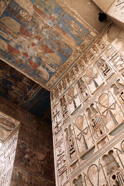 エジプト ルクソール ラムセス3世葬祭殿(メディネト・ハブ)内部の装飾