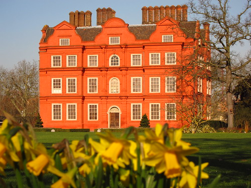 Kew Palace and Daffodils
