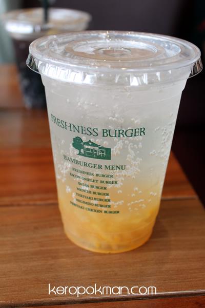 Freshness Burger - Yuja Cha
