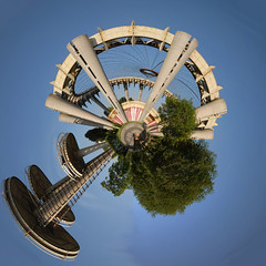 Planet Corona Park Observatory (jankor) Tags: panorama geotagged 360 planet stitched 360 360degree littleplanet 360grad planetepanoramique geo:lat=4074329 geo:lon=73844749