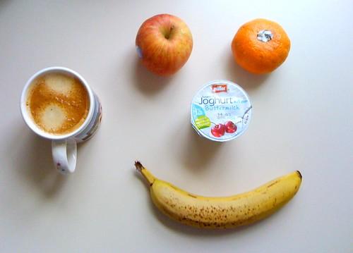 Joghurt mit der Buttermilch, Kiku, Clementine & Banane