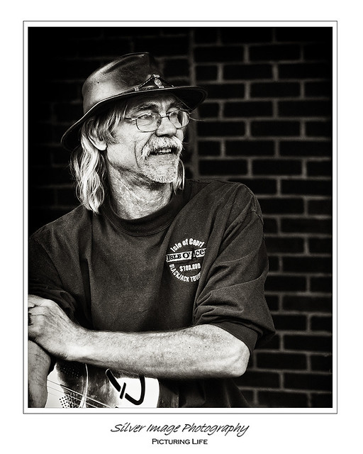Blues guy 2 bw