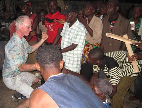 Tom dances at Tshombe Kilima