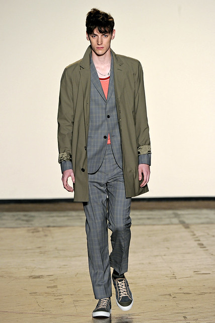 Danny Arter3098_SS11_NY Mark by Mark Jacobs(GQcom)