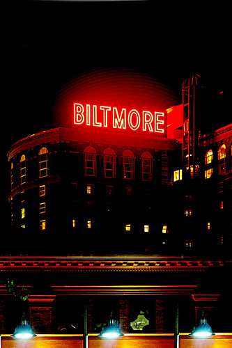 biltmore at night (iPhone wallpaper)