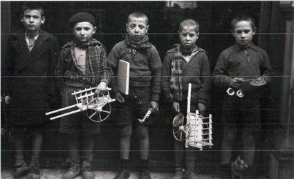 11c30 Madrid 1936 Niños con juguetes libro Carlos García Alix baja
