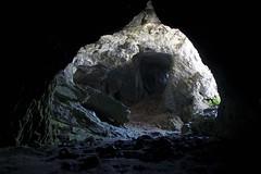 Inside the cave (ramosblancor) Tags: naturaleza nature geología geology cueva cave luz light prehistoria prehistory cuevadelcobre fuentescarrionas palencia españa spain viajar travel