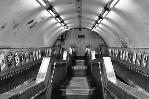 Warwick Avenue tube station ©  Still ePsiLoN