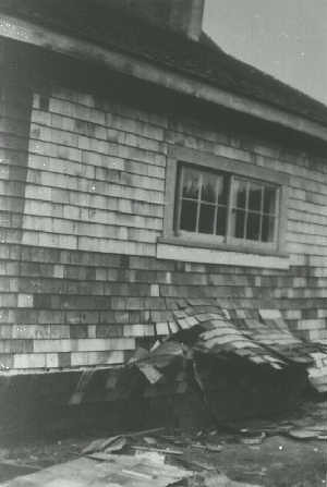 Comox_house_failure_in_1946