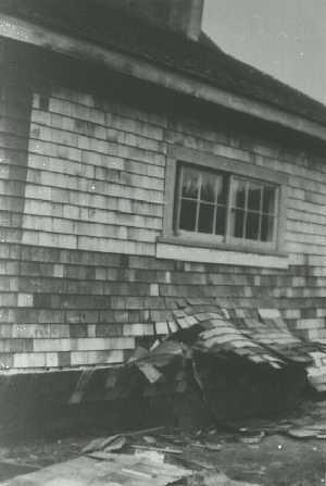 Comox_house_failure_in_1946
