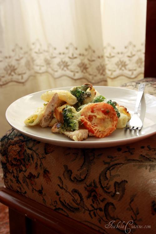 Broccoli, Chicken & Pasta Bake