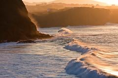 Olas en la playa de Los Locos (FWHM) Tags: ocean sunset sea espaa costa beach water atardecer mar spain agua waves playa cantabria suances ocano loslocos