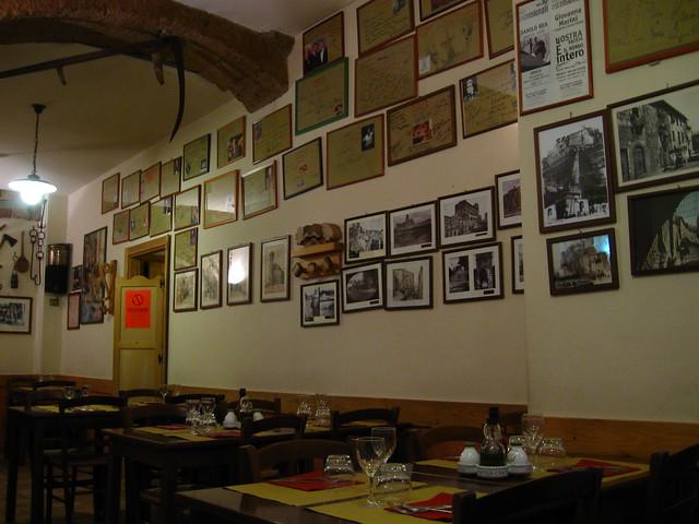 レストランの壁のフリー写真素材
