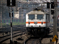 The White Stallion (Jay fotografia) Tags: india trainspotting howrah indianrailways electriclocomotive irfca wap7 jayasankarmadhavadas