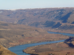 Columbia River snaking below the Waterville Plateau.
