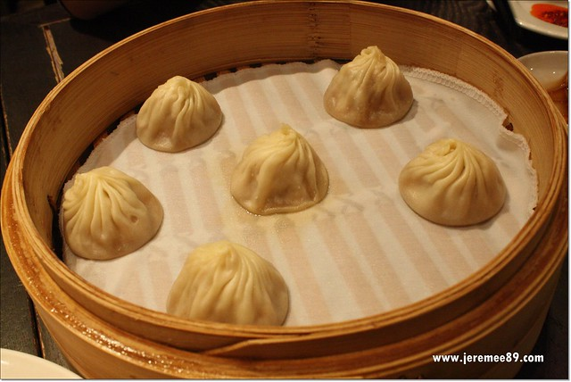 Din Tai Fung @ Wisma Atria Singapore - Steamed Pork Dumpling