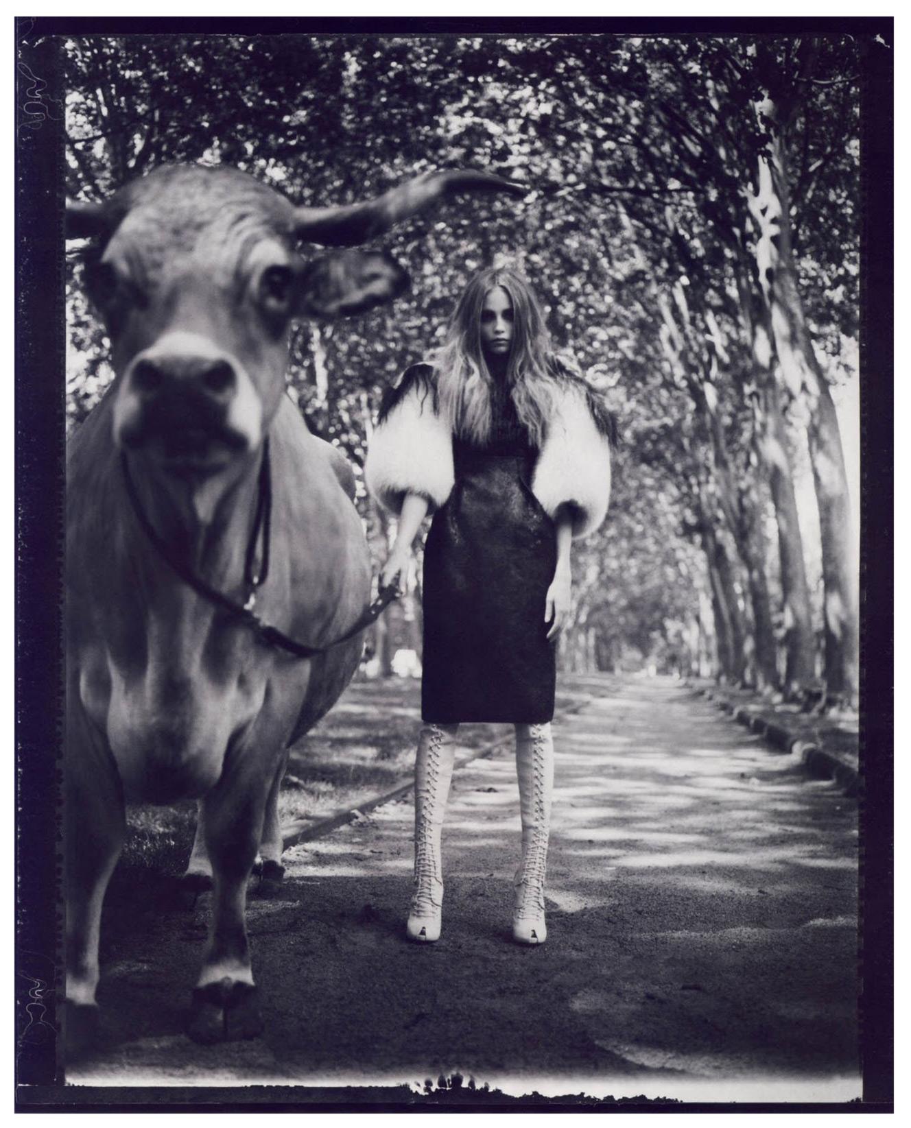 3 La Couture est Dans le Pré - Vogue Paris 2007 Oct