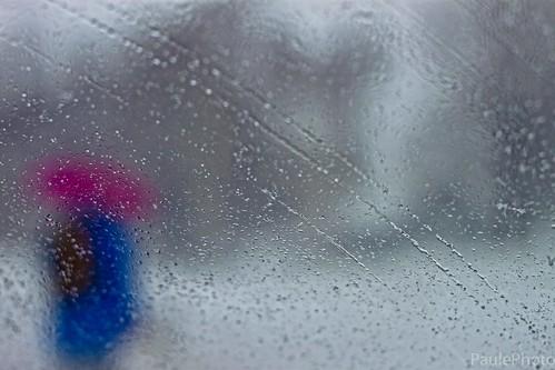 Femme au parapluie