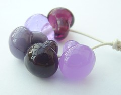 Buttons Purple (Glittering Prize - Trudi) Tags: uk glass beads trudi lampwork sra glitteringprize fhfteam britlamp thgg