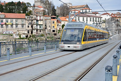 Metro do Porto, Porto, Portugal (Pantufa) Tags: railroad bridge portugal electric train tren metro north bridges siemens railway trains porto douro treno railfan norte electrico comboio treni metroporto alltypesoftransport metrosuperficie