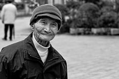23012011-DSC_4491 (Fabricio Zwetsch) Tags: china street people blackandwhite bw chinesenewyear closeups 70300mm chinesepeople dongguan fafa nikond3100 fabriciozwetsch
