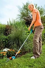 Long-Handled Swivel Grass Shears (GARDENA Worldwide) Tags: yard garden lawn care garten gardena lawncare rasenpflege