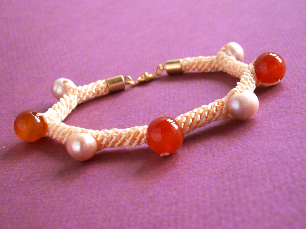 Rock Ribbons Bracelet Sundown Large Pearl Full