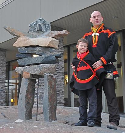 Ketil Lenert Hansen and his son