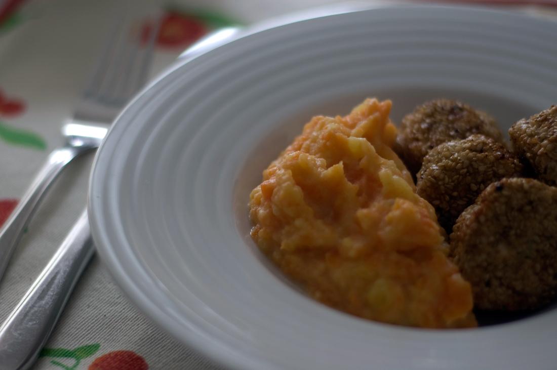 Almôndegas de perú, limão e hortelã