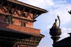 / King Yoganarendra Malla (randomix) Tags: nepal temple monkey buddhism hinduism patan      ef70200mmf4lisusm