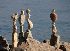 Equilibrio - Steinbalancen - Rockbalancing (Heiko Brinkmann) Tags: sculpture water stones bodensee equilibrio badenwürttemberg langenargen lagodicostanza hickoree malerecke steineimgleichgewicht