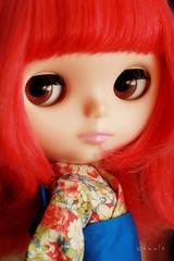 change her eye-chips (again ^^)