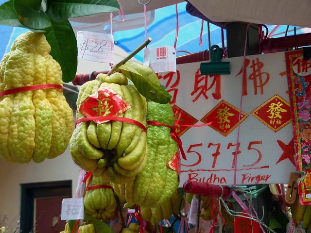 18 Chinatown buddha finger