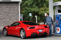 Gassing up (Alex Weber) Tags: show red verde green alex car speed canon photography italia angle g wide fast run ferrari spot event exotic lp 7d diablo panning lamborghini rare 60 weber countach gallardo murcielago 18mm 560 458 lp560
