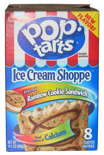 Review Kellogg S Ice Cream Shoppe Frosted Rainbow Cookie