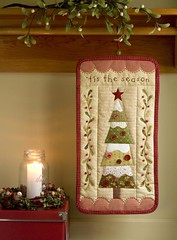 'Tis the Season (PatchworkPottery) Tags: pattern handmade embroidery crafts quilted patchwork applique wallhanging patchworkpottery cottonlife cottonlifeno4