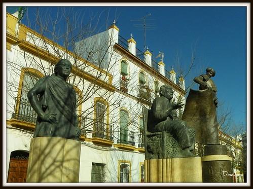Esculturas en la Alameda de Hércules