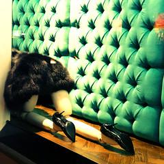 chercher la petite bête... (Biscarotte) Tags: nyc light mannequin shop square xpro lumière 5thavenue boutique vitrine carré