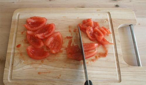 20 - Tomaten schneiden